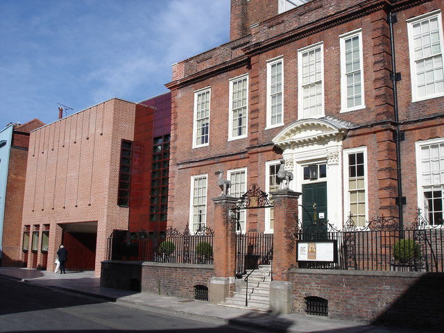 Pallant House Gallery – Coach Trip