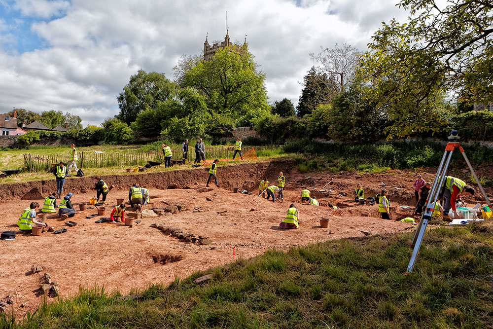 'Minster, Manor and Town – Excavations at Berkeley Castle 2004-19'